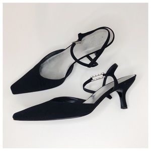 STUART WEITZMAN Black Rhinestone Kitten Heels 9
